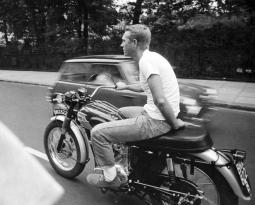 Steve McQueen – Icono de moda masculina